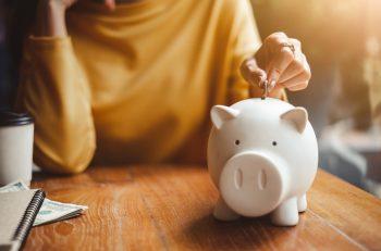 Sparen: Warum Sie in Ihren 40ern damit anfangen sollten