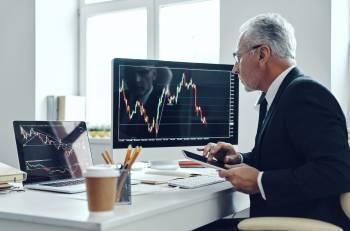 Persona gestisce i servizi finanziari